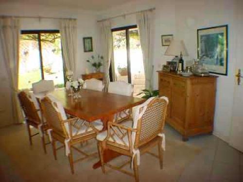 Casa oscar algarve zwembad airconditioning strand dichtbij - Kleedkamer suite badkamer kleedkamer ...