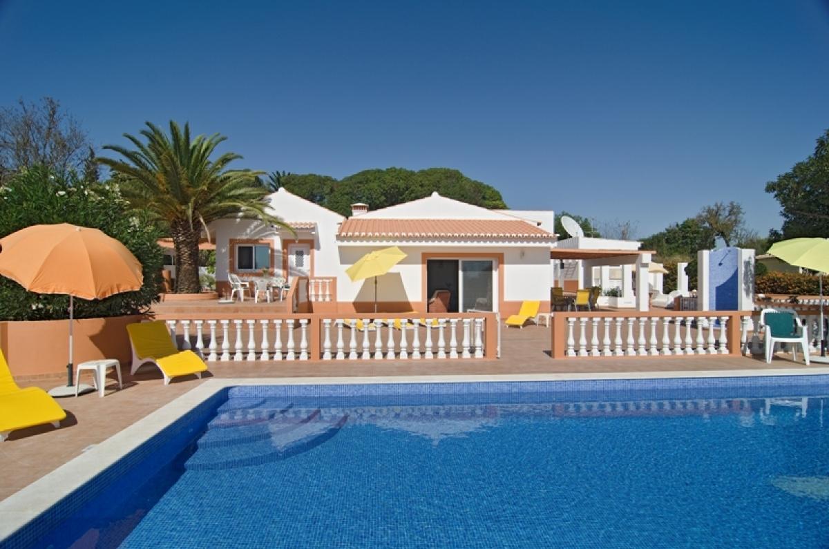 #11417923652728  Mariana: Huur Uw Vakantievilla Met Zwembad In Portugal Algarve Lagos betrouwbaar Vakantievilla Portugal Algarve 427 afbeelding opslaan 1200795427 Idee
